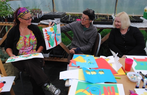 Ninewells Community Garden Mosaic Design Workshop - Dundee Urban Orchard - Jonathan Baxter and Sarah Gittins